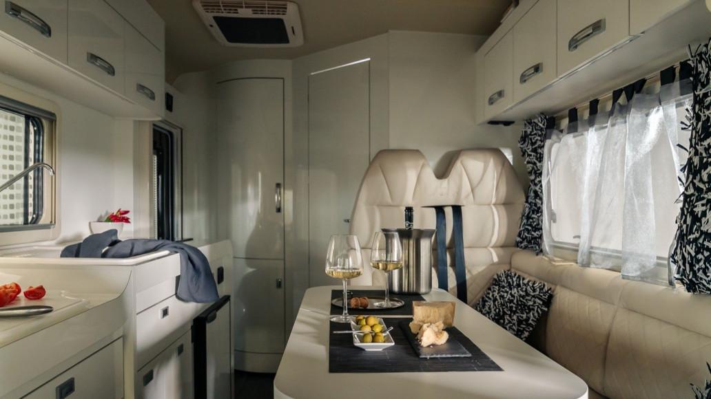 Oasi 540 - kleines Wohnmobil Dinette Luxus - Wohnmobil