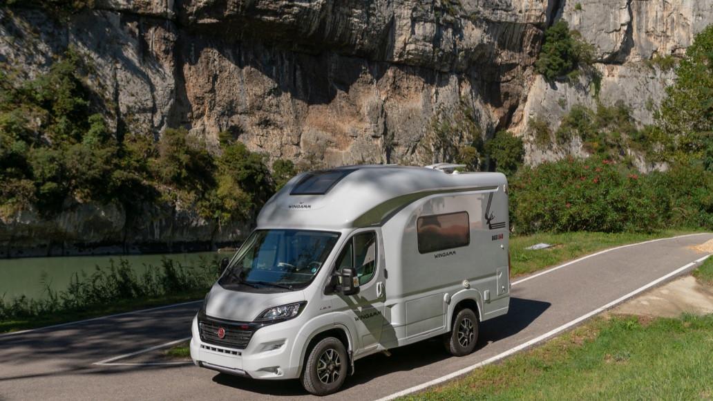 Oasi 540 - kleiner Luxus Campervan kompakt unter 5 6m - Wohnmobil