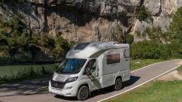 Oasi 540 - autocaravana de lujo pequeña compacta de menos de 5 6 m - autocaravana