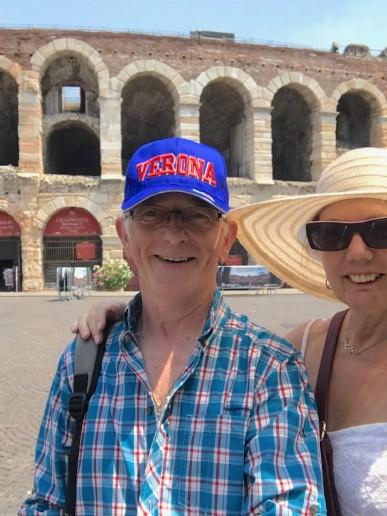 Iain y Theresa: todo lo que necesitamos - W-People - camper