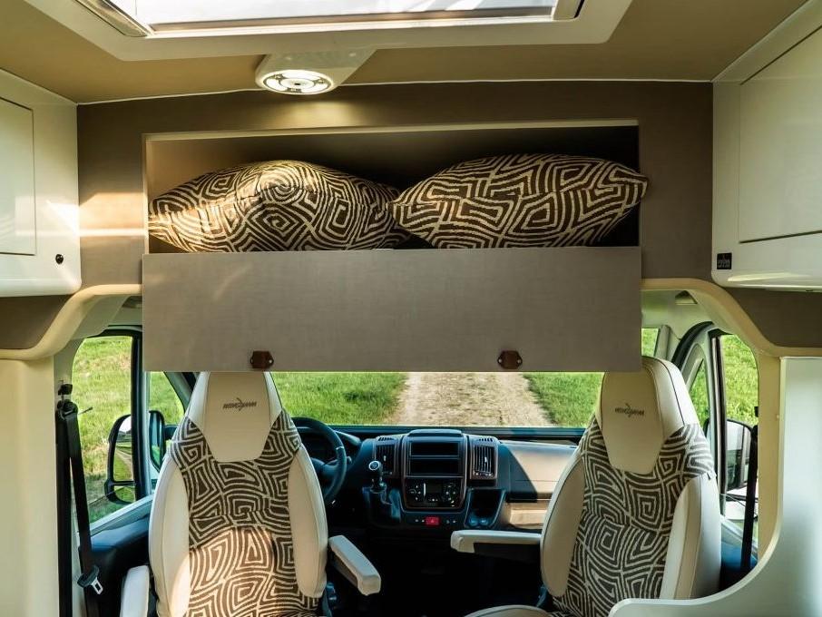 wingamm-city-suite-gavone-anteriore-interno-1-1024x684 - camper