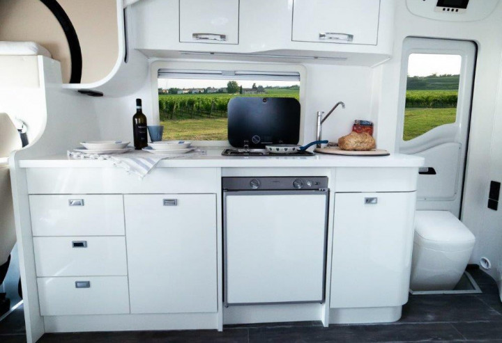 wingamm-micros-kitchen-total-white-1 - camper