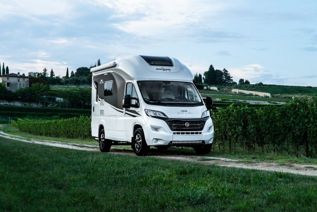 Wingamm-Oasi540-Black-Edition-Exterieur-1-1024x684 - Wohnmobil