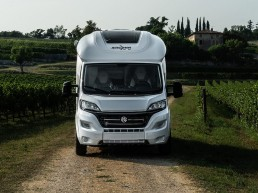 wingamm-oasi610-front-1 - camping-car