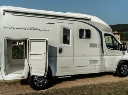 wingamm-oasi610-later-garage-1024x614 - camping-car