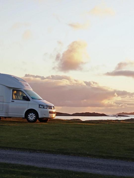Micros: Der kleine 4x4 Camper auf Volkswagen Basis verlässt den Staffelstab beim Oasi 540 - News - Camper